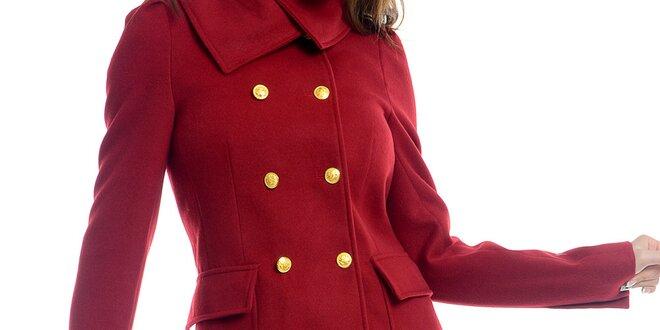 Dámský červený kabát se žlutými knoflíky Estella  b5a8d5c02f1