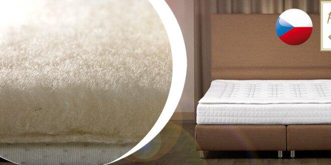 Podložka na matraci s ovčím rounem