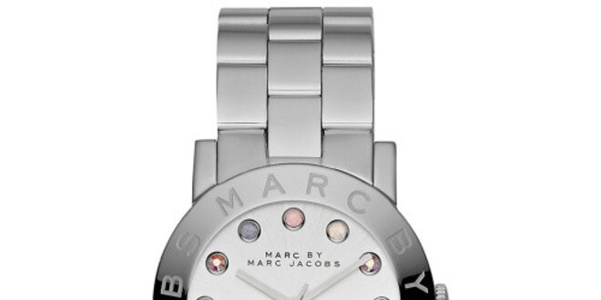 Dámské analogové hodinky s barevnými indexy Marc Jacobs