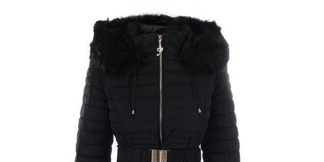 8539d6bb6be Dámský černý kabát s páskem a kožíškem Foglie Rosse