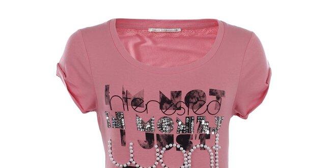 d09e46b447 Dámské růžové tričko s nápisem Gaudí