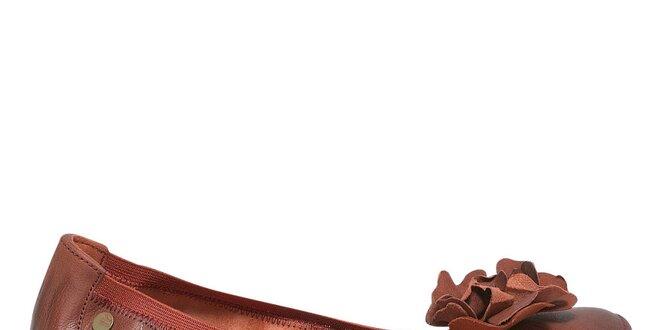 Dámské červené baleríny s květinkou Buggy