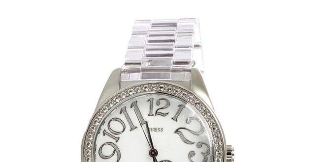 Dámské stříbrné hodinky Guess s bílým ciferníkem  5cc6aaa137d