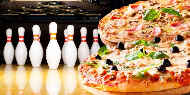 Hodina bowlingu a 2 pizzy pro celou partu