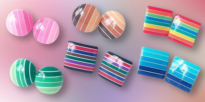 Lesklé veselé náušnice ve 12 barevných variantách