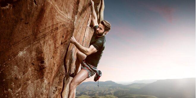 Vyzkoušejte lezení na skálu: Půčení ferratového setu