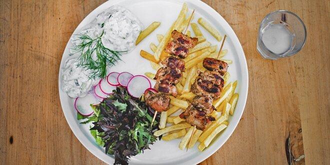 Řecká klasika: Souvlaki a tradiční likér Ouzo