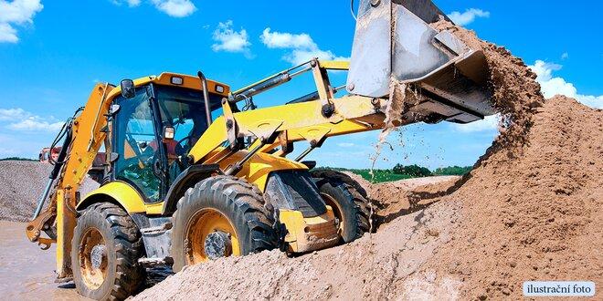 Dovádění s bagrem na obřím pískovišti