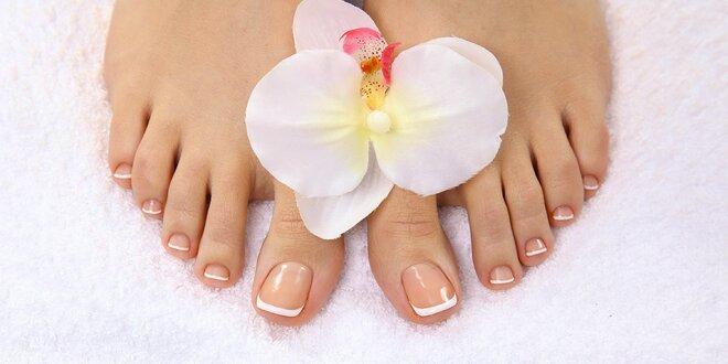 60 minut péče o nohy s pedikúrou a masáží