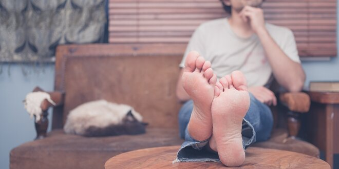 Mokrá pedikúra pro muže včetně masáže