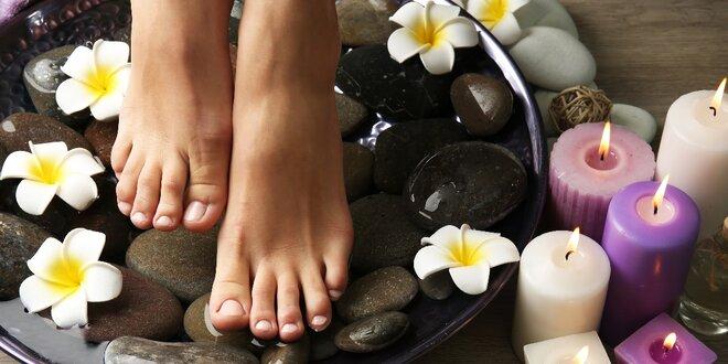 60minutová mokrá pedikúra včetně relaxační masáže