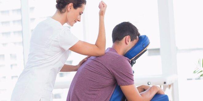 Masáž pro bolavá záda z kanceláře