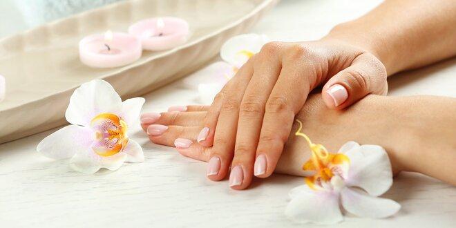 Manikúra s lázeňskou péčí o ruce a lakováním