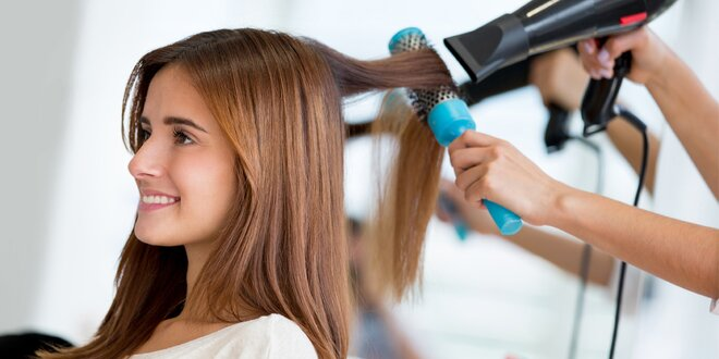 Kadeřnické balíčky pro ženy: střih, barva, melír