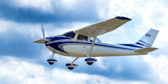 Pilotování ultralehkého sportovního letadla