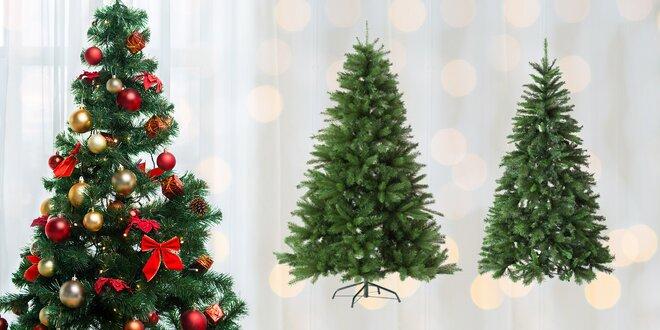 Umělé vánoční stromky španělské výroby se slevou 50%
