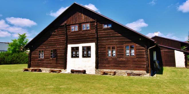 Pobyt v pravé šumavské roubence z roku 1800