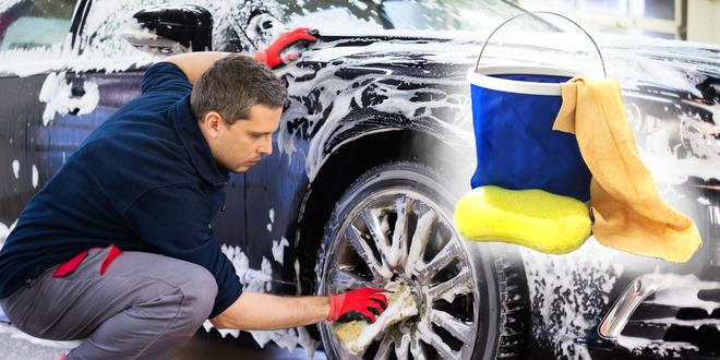 Skládací kbelík, jelenice a houbička na mytí auta