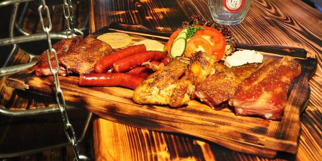 Žebra, křídla a grilovaná cigára v pivním šenku