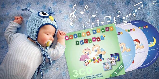3x CD nebo 4 GB flash disk s hudbou pro kojence a malé děti