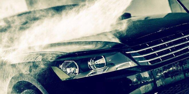 Ekologické čištění automobilu horkou párou