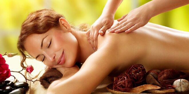 Výběr z luxusních masáží vč. aroma lázně na nohy