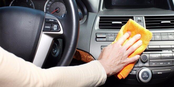 Kompletní čištění interiéru automobilů