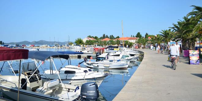 Chorvatské Pakoštane s dopravou a polopenzí