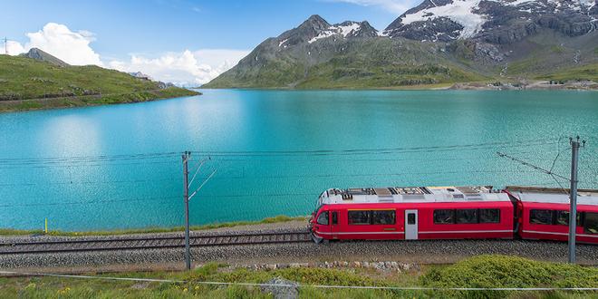 Švýcarsko - alpská železnice Bernina Express