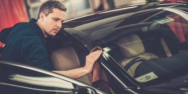 Kvalitně a pečlivě: Ruční mytí vašeho auta
