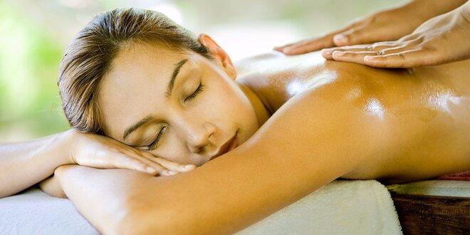 Masáž nebo relaxační balíček masáží dle výběru