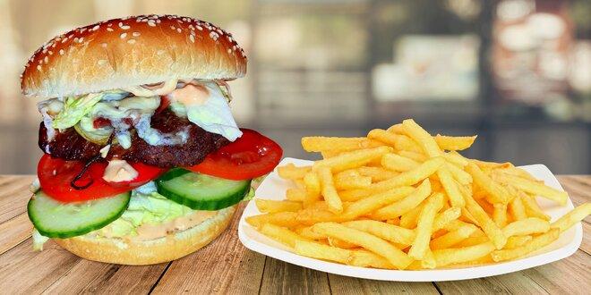 Burger a porce hranolků v bruntálském Biografu