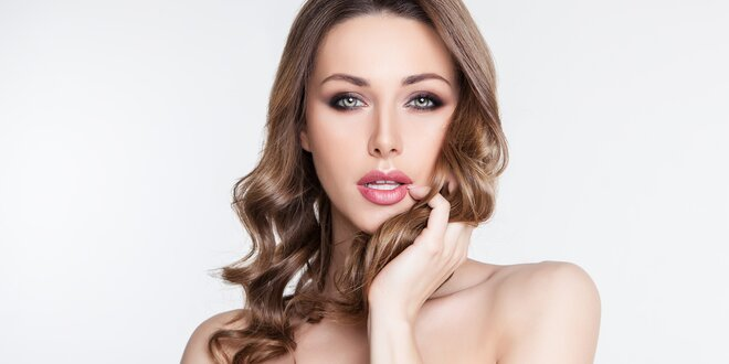 Regenerační ošetření vlasů vč. moderního střihu