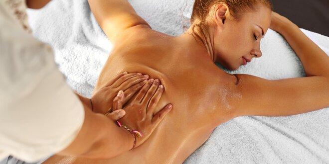 100minutová celková masáž zad a nohou