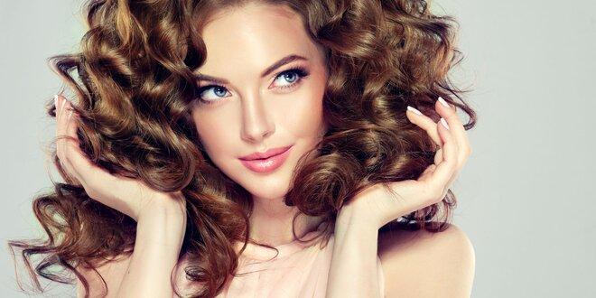 Salonní ošetření vlasů technikou Malibu C