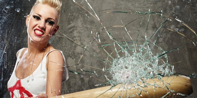 Destruktoterapie: vymlaťte ze sebe svůj hněv