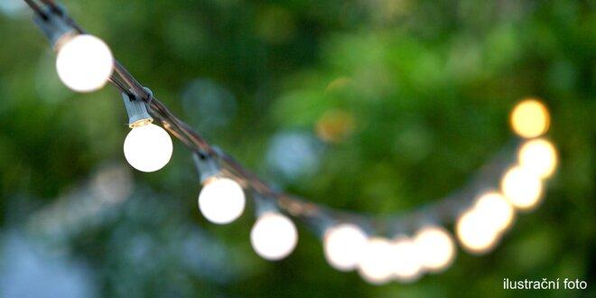 Zahradní osvětlení se solárním nabíjením i do zásuvky