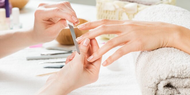 Japonská manikúra P-shine s masáží rukou
