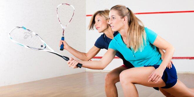 60 minut squashe nebo badmintonu