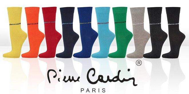 Ponožky Pierre Cardin ve stylových barvách