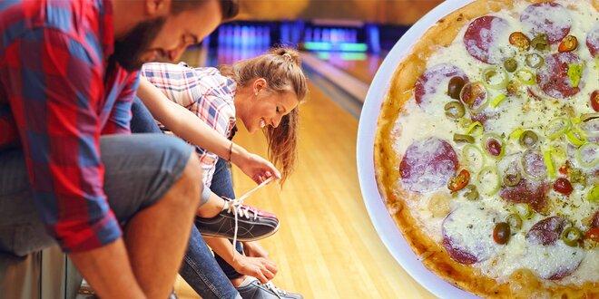 Hodina bowlingu až pro 8 hráčů a 2 pizzy z pece