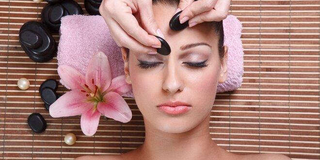 Omlazující masáž obličeje lávovými kameny
