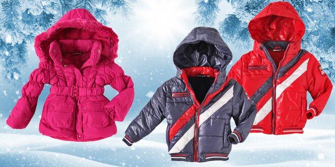 Dětské zimní oblečení: bundy, kabátek a roláky
