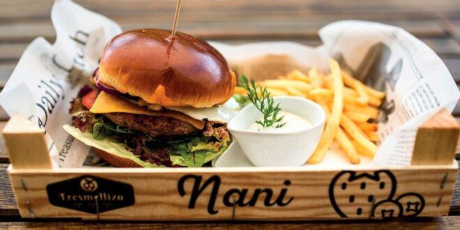Burger menu: hovězí v briošce s bohatou přílohou