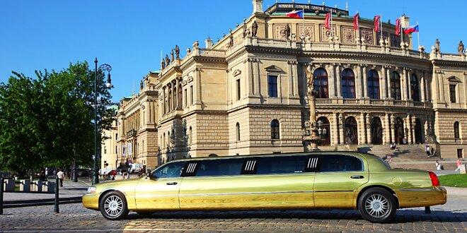 Zážitková jízda ve zlaté limuzíně i na Valentýna