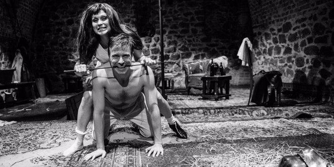 Divadlo U stolu: August Strindberg – Slečna Julie