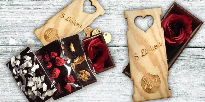 Dřevěná dárková krabička se 3 druhy čokolády