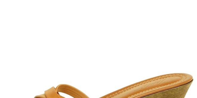 Dámské velbloudí kožené pantofle Levis