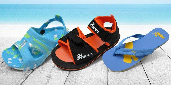 Dětské nazouváky, sandály a žabky: mnoho vzorů