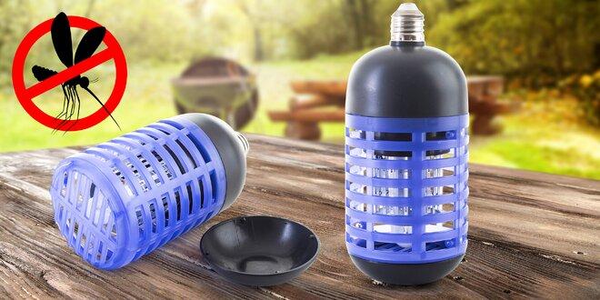 Domácí lapač hmyzu do žárovkové objímky